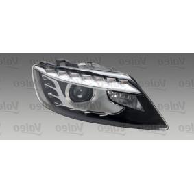 Pirkti 44138 VALEO ORIGINAL PART, dešinė, D3S (dujų išlydžio lemputė), su LDR servovarikliu, be ksenonų valdymo bloko, su aut. LDR valdymo bloku, biksenonai, LED, be lemputės kairės / dešinės pusės eismas: Dešinės pusės eismui, transporto priemonės įranga: transporto priemonėms su priekinių žibintų aukščio reguliavi Priekinis žibintas 044138 nebrangu
