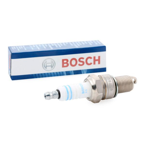 Car spare parts VW K70 1973: Spark Plug BOSCH 0 242 240 592 at a discount — buy now!