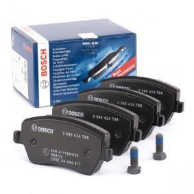 Kit de plaquettes de frein, frein à disque 0 986 424 795 RENAULT CLIO à prix réduit — achetez maintenant!