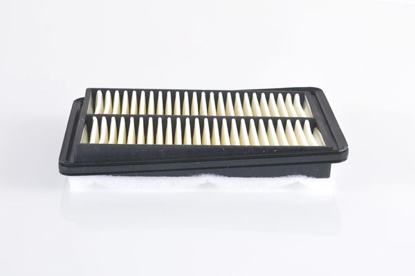 Zracni filter F 026 400 561 z izjemnim razmerjem med BOSCH ceno in zmogljivostjo