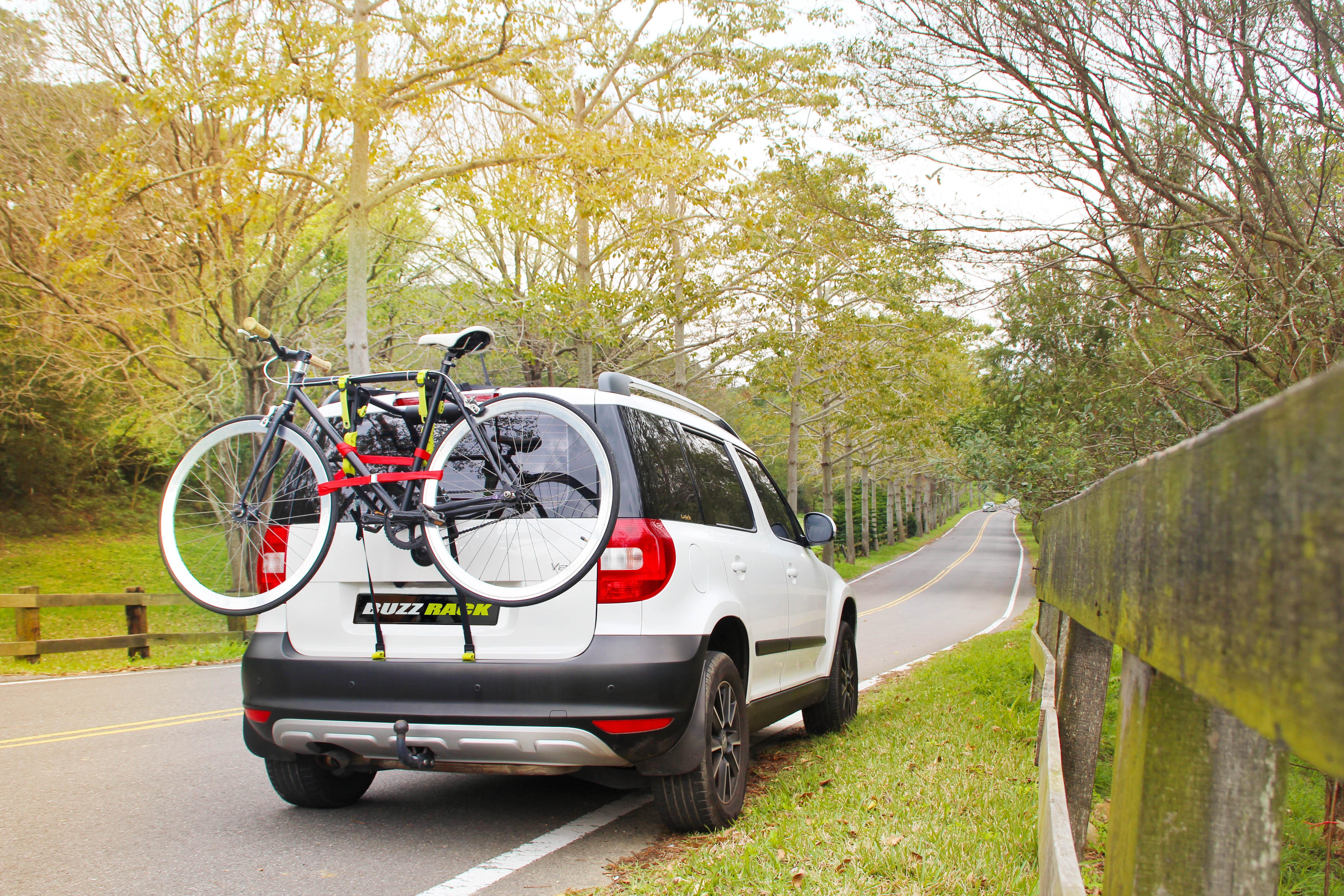 1022 Porta-bicicleta traseira BUZZ RACK - Produtos de marca baratos