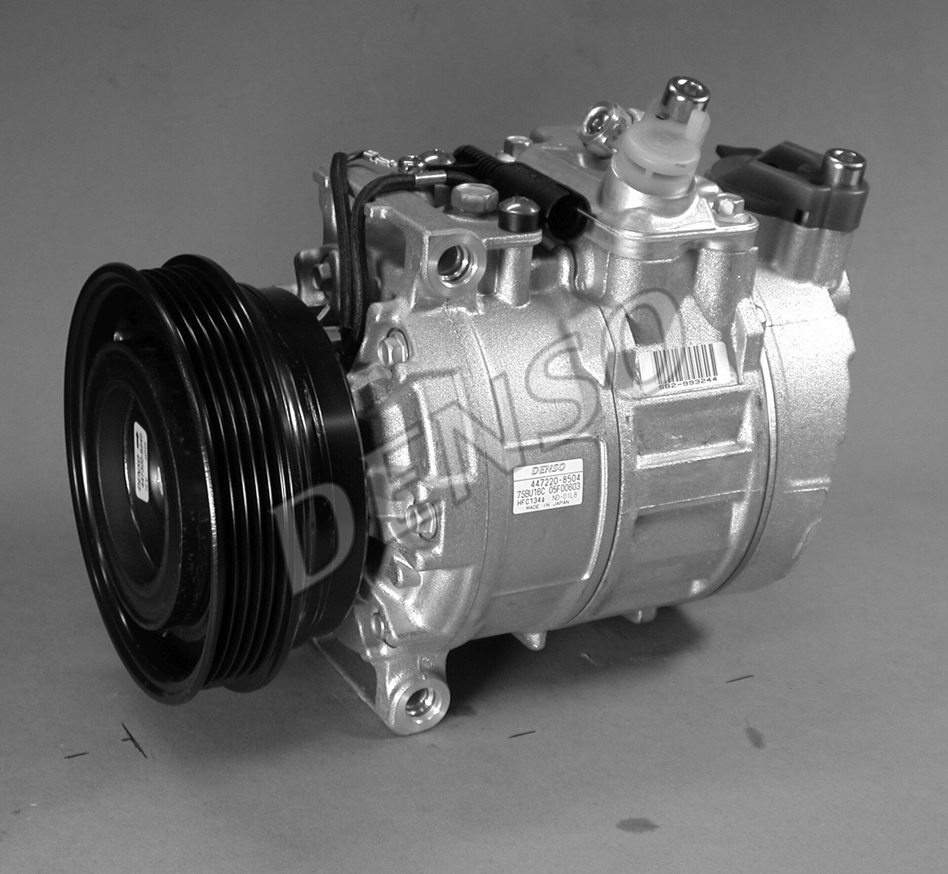 Original LAND ROVER Kompressor DCP24004