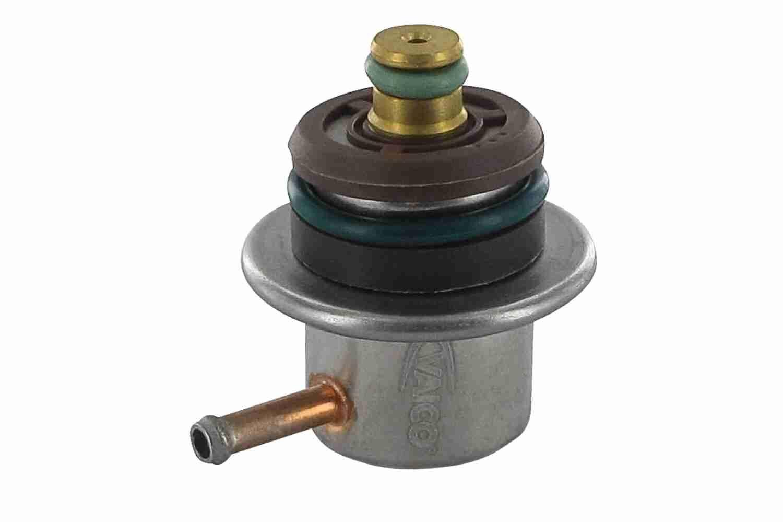 AUDI A3 2018 Kraftstoffdruckregler - Original VAICO V10-2262