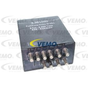 buy VEMO Relay, fuel pump V30-71-0010 at any time