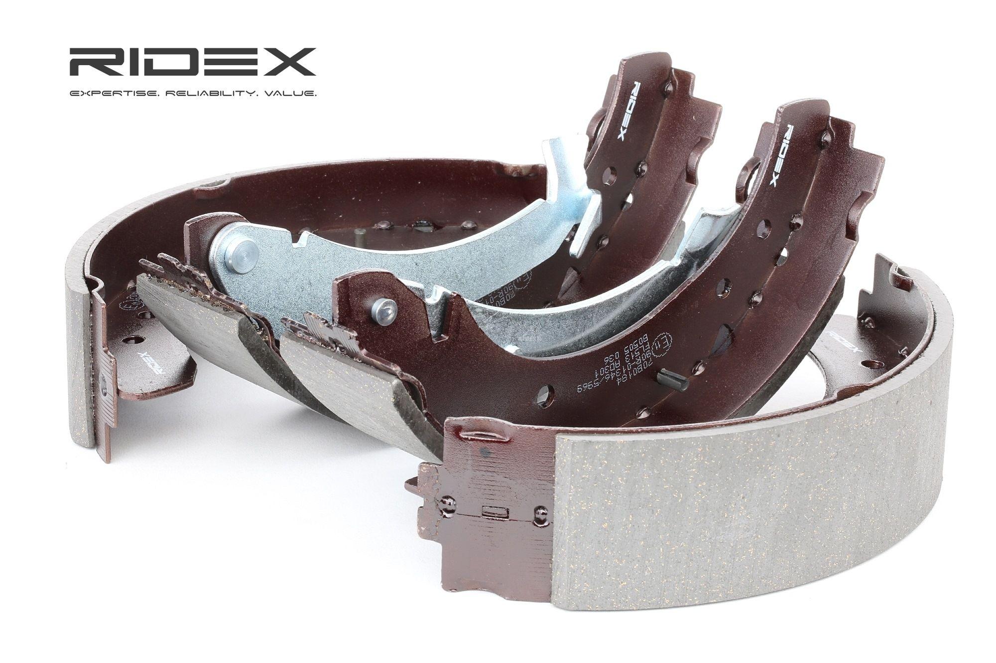 RIDEX: Original Bremsbacken für Trommelbremse 70B0184 (Breite: 57mm)