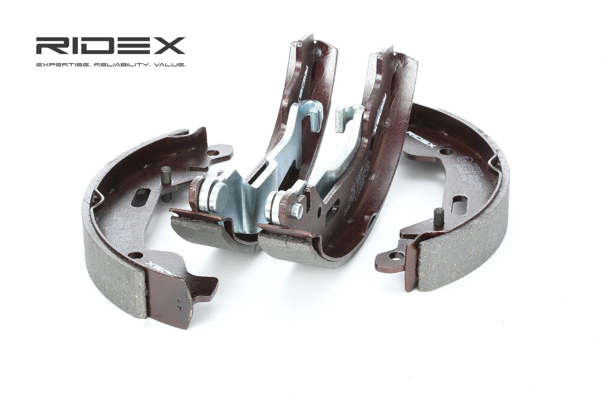RIDEX: Original Bremsbackensatz für Trommelbremse 70B0071 (Breite: 26mm)