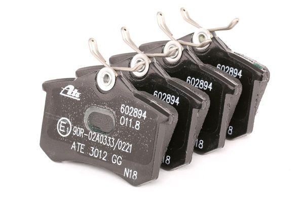 Kit de plaquettes de frein, frein à disque 13.0460-2894.2 VW BORA à prix réduit — achetez maintenant!